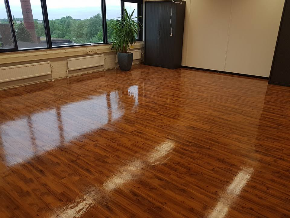 Linoleum Vloer Onderhoud : Vloeronderhoud passie schoonmaak